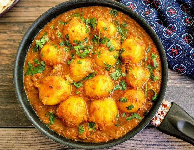 While most of the Kashmiri cuisines are non-vegetarian, there is something very special prepared with potatoes.Dum Aloo has a unique flavor and aroma that can be enjoyed with naan or chapatti.