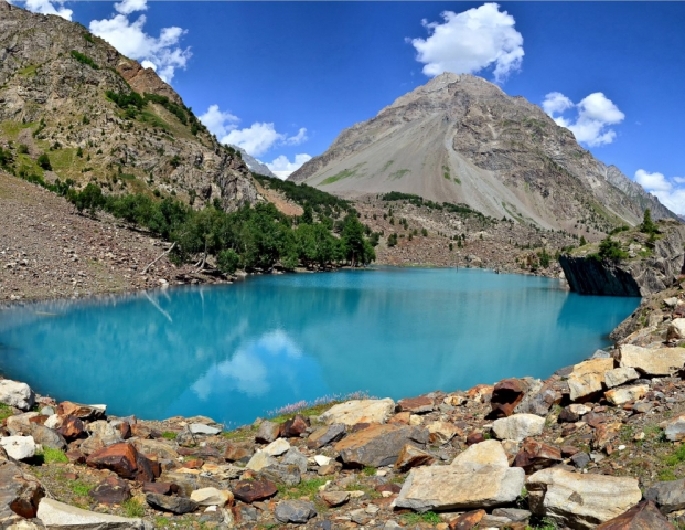 Lake Naltar is a high mountain crystal clear emerald green lake, at an elevation of 3.228m (10,590ft) above the sea level, located in the heart of Naltar Valley in the Gilgit District of Gilgit–Baltistan territory of Pakistan