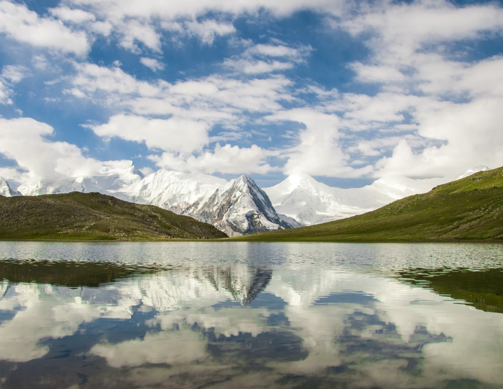 Rush Lake is a high altitude lake located in Nagar Valley, Gilgit-Baltistan.At 4,694 meters, Rush is one of the highest alpine lakes in the world. It is located about 15 km north of Miar Peak and Spantik, which are in the Nagar Valley.